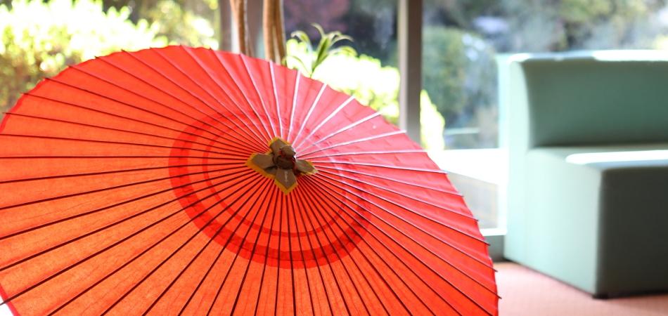 ロビーと番傘