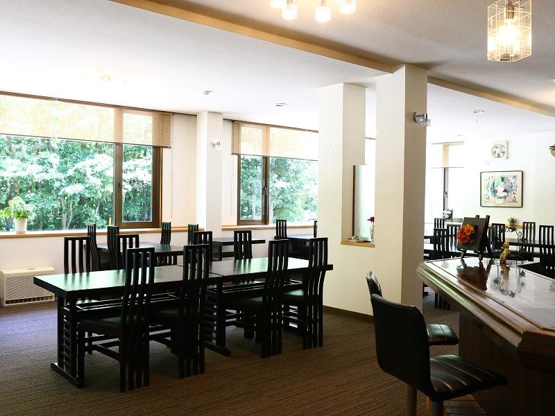 1階レストラン03